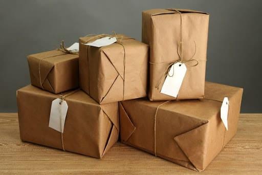 Đóng gói hàng hóa dễ vỡ một cách cẩn thận