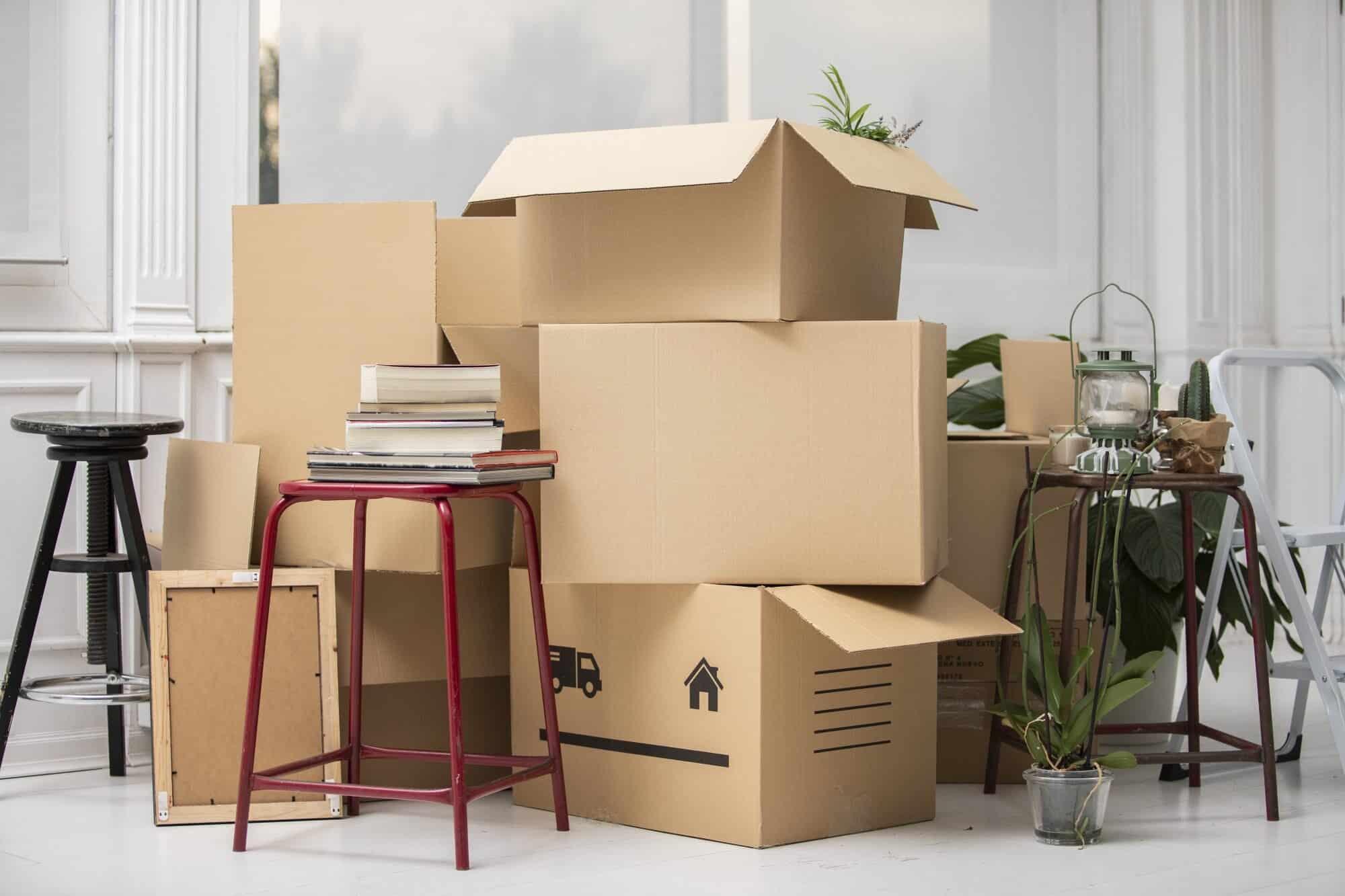 đóng thùng đồ đạc vận chuyển bằng thùng carton