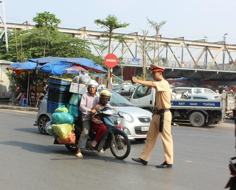 Xử phạt chở hàng hóa vượt quá giới hạn của xe