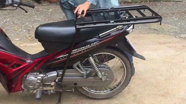 cách chở hàng bằng xe máy