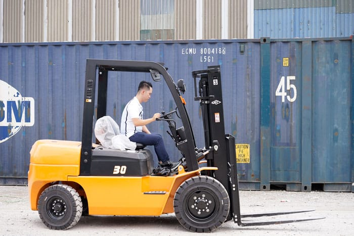 cho thuê xe nâng hàng quận Tân Bình