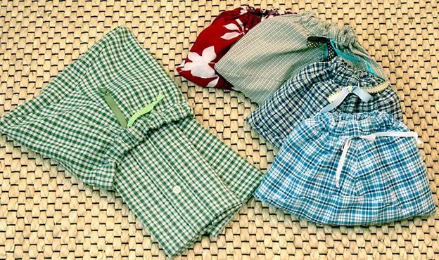 hướng dẫn tái chế quần áo cũ thành những vật dụng cần thiết 6