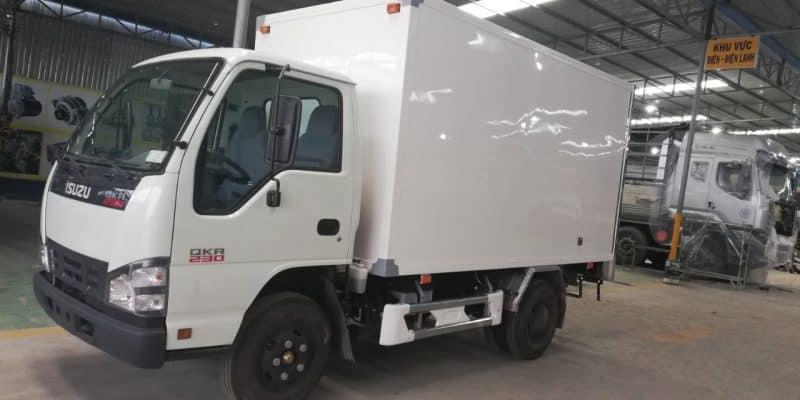 Xe tải 2 tấn isuzu thùng kín