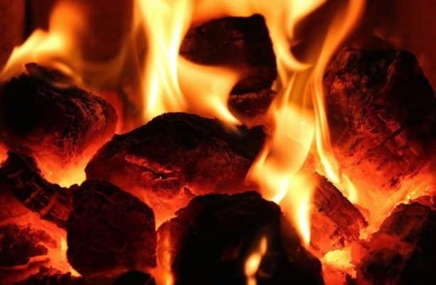 Về nhà mới mang gì vào trước - nên mang bếp lửa vào trước