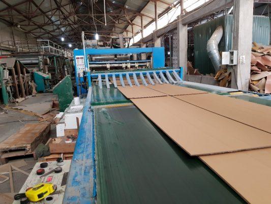 Dây chuyền sản xuất thùng giấy carton hiện đại của Taxi Tải Nguyên Lợi