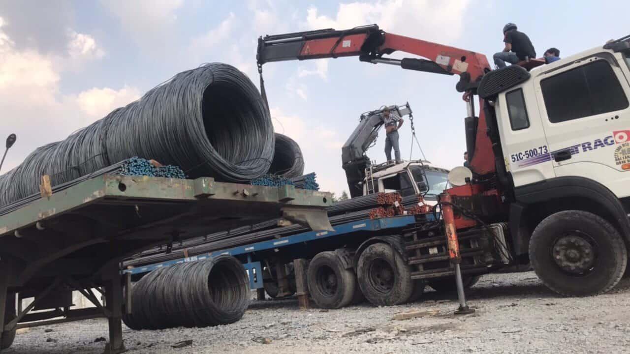 chi phí vận chuyển sắt thép cạnh tranh